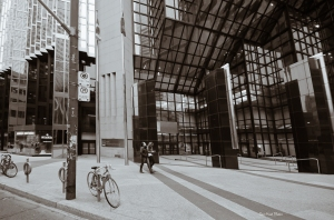 Street Photography: Strangers Walk in the City